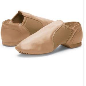 Balera slip on jazz shoes B80 caramel child's 3.5
